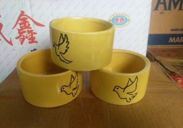 Tempat Minum Keramik Mungil Multi Warna